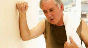 Внутренний жар у пожилого человека
