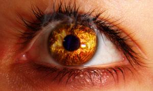 Что делать если попала сварка в глаза??