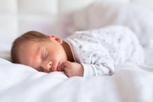 Дергается ребенок 3 месяцев