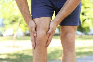 Мигрирующая, симметричная боль в ногах и мошонке