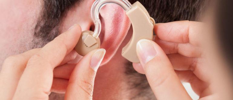 Можно ли работать электро-монтером с одним слышащим ухом?